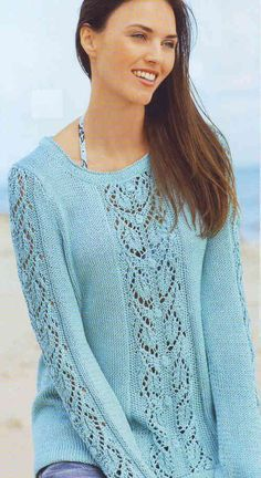 Пуловер спицами с узором из листьев