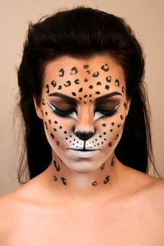 Amazing animal makeup looks that you can easily rock this Halloween . - Amazing Animal Makeup Looks You Can Easily Rock This Halloween – Cheetah Print – Amazing Animal - Looks Halloween, Halloween Cat, Halloween Face Makeup, Halloween Photos, Halloween Ideas, Leopard Halloween Makeup, Cheetah Halloween Costume, Awesome Halloween Makeup, Facepaint Halloween
