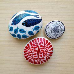 for KIKKULA, Bodrum. Seashell Painting, Pebble Painting, Pebble Art, Stone Painting, Stone Crafts, Rock Crafts, Arts And Crafts, Painted Rocks, Hand Painted
