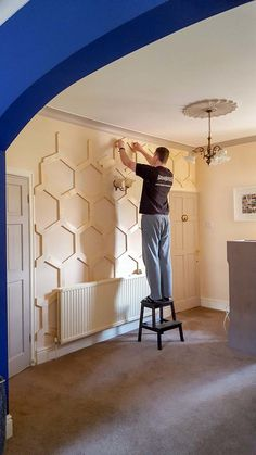 How to DIY a Hex Panelled Wall is part of diy-home-decor - Learn how to DIY wall panelling in a hex honeycomb pattern! Stepbystep instructions with tips and materials needed Decoration Hall, Wall Decorations, Wall Molding, Moldings, Wall Treatments, Home Accents, Home Projects, Diy Home Decor, Bedroom Decor
