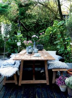 Design Ideas & Inspiration for the Perfect Outdoor Dinner Party - Modern Outdoor Rooms, Outdoor Tables, Outdoor Gardens, Outdoor Decor, Rustic Outdoor, Rustic Table, Wooden Outdoor Table, Outdoor Office, Picnic Tables