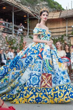 Not to wear.but to marvel at.Dolce & Gabbana Autumn/Winter 2014-15 Couture