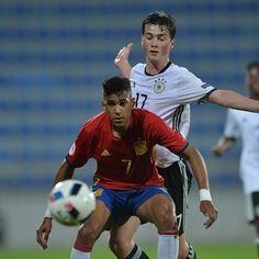 UEFA.com's weekly wonderkid: Jordi Mboula #FansnStars