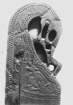 Carved post from one of the Oseberg bed sets (there were five). The image can be found on page 173 of the website. Here is what is written about it: Motiv: Dyrehode på sengehesten; Gjenstand: Sengehest; Sted: Norge, Vestfold, Tønsberg, Oseberg, Jarlsberg Hovedgård, 161; Bestillingsnr: CfO0446; Museumsnummer: O1904_sengehest; Lisens: CC BY-NC 3.0 Viking Metal, Viking Art, Viking Ship, Viking House, Viking Life, Medieval Furniture, Gothic Furniture, Viking Knotwork, Viking Decor
