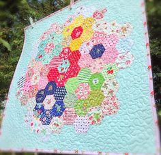 lovely little handmades: hexagon mini quilt!