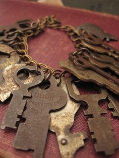 Stunning bracelet with lots of cool keys - <3 it!