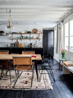 Mid Century Modern dining room: top 10 ideas | see more inspiring images at http://www.delightfull.eu/en/inspirations/