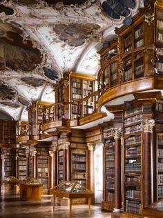 Die Stiftsbibliothek St. Gallen ist die älteste Bibliothek der…