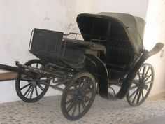 Barouche - A four-wheeled calash to be drawn by a pair (Podstreda Castle) Horse Carriage, Horse Drawn, Antique Cars, Victorian, Vehicles, American Life, Early American, Castle, Coaches