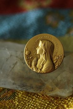 アンティークブローチ フランス メダイ ルルドの聖母 マリア様 M.JAMPOLSKY