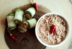 Raw Vegan, Dips, Oatmeal, Breakfast, Food, The Oatmeal, Morning Coffee, Sauces, Rolled Oats