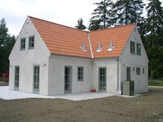 white Gotlands house - New Ideas Danish House, Swedish House, Beautiful Buildings, Beautiful Homes, New England Farmhouse, My Dream Home, Exterior Design, Future House, Building A House
