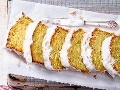 Zucchinikuchen backen – das beste Rezept Baking zucchini cake – the best recipe Pancake Recipe Easy Fluffy, Pancake Recipe With Yogurt, Best Pancake Recipe, Buttermilk Recipes, Banana Recipes, Clean Eating Pancakes, Dairy Free Pancakes, Zucchini Cake, Recipe Zucchini