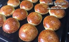 Orjinal Karaköy Poğaçası Tarifi Muffin, Breakfast, Pizza, Food, Morning Coffee, Eten, Cupcakes, Muffins, Meals