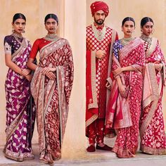 Banarasi silk sarees are Indian sarees made in Varanasi, a city which is also called Benares or Banaras. The sarees are among the finest sarees in India and are known. Sabyasachi Sarees, Banaras Sarees, Indian Sarees, Anarkali, Silk Sarees, Banarasi Lehenga, Pakistani, Indian Bridal Wear, Indian Wear