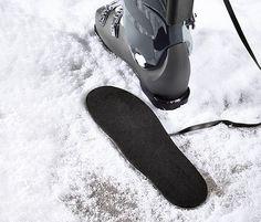 39,95 € Nie wieder kalte Füße! Einfach die Sohlen in die Schuhe legen, die Akkus mithilfe der Klemme am Schaft befestigen – und schon herrscht wohlige Wärme im Schuh.