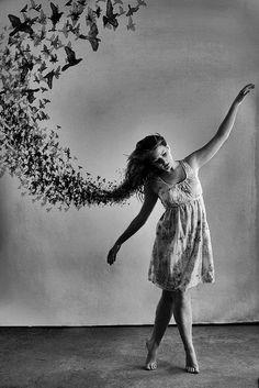 """""""Pero hay cosas que no mueren, y otras que nunca vivieron. Y las hay que llenan todo nuestro universo y no es posible librarse de su recuerdo."""" José Hierro"""
