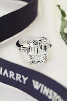 Incredible Harry Winston Engagement Rings ❤ See more: http://www.weddingforward.com/harry-winston-engagement-rings/ #weddings
