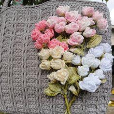 編み屋*しゅしゅ♪エレガント☆木蓮の花バック☆いちご☆レース編み ハンドメイドのファッション小物(バッグ)の商品写真 Crochet Flowers, Floral Wreath, Wreaths, Handmade, Jewelry, Floral Crown, Hand Made, Jewlery, Door Wreaths