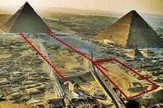 Die Sphinx – die antike und riesige Statue eines Löwen mit menschlichem Antlitz – isteines der bemerkenswertesten Bauwerkeder Welt und erobert seit Jahrhunderten die Phantasie von His…