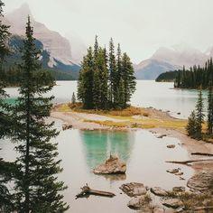 Spirit Island, Maligne Lake by alexstrohl