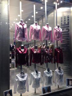 Window shopping at @naracamicie in Milan