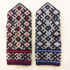 RElisted- men's size ethnographic mittens  12cm wide and 30cm long.  Order while we have them: WWW.TINES.LV  #men #menstyle #forman #mittens #manmittens #strikk #strikkedilla #handknitted #handknit #latvianmittens #knittedmittens #knitmittens #woolgloves #votter #vantar #vottestrikk #mitten #miton #january #winter #knitwearshop #knitwear #knits #knitted #wool #woolyarn #strikkebutikk