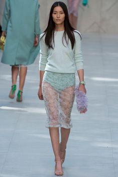 Burberry Spring 2014 Ready-to-Wear Fashion Show - Liu Wen