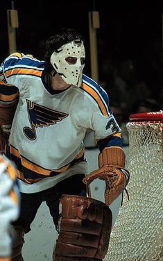 The National Hockey League (NHL) pits 30 teams who play against each other throughout the regular season in North America with the goal of earning a playoff Hockey Goalie, Hockey Games, Hockey Players, Rangers Hockey, Hockey Mom, Calgary, John Davidson, Goalie Mask, St Louis Blues