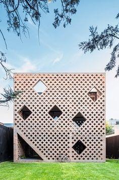 Brick House by Diego Arraigada, Rosario, Argentina