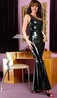 The very Sexy Carol Vorderman Vynil, Dress Skirt, Bodycon Dress, Rubber Dress, Carol Vorderman, Latex Dress, Sexy Latex, Latex Girls, Latex Fashion