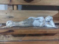 Escultura Sereia Sedutora