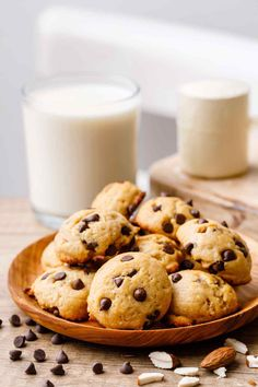 Almond Flour Chocolate Chip Protein Cookies Protein Powder Cookies, Baking With Protein Powder, Protein Powder Recipes, High Protein Recipes, Protein Foods, Sugar Free Dark Chocolate, Low Carb Chocolate, Perfect Cookie, Healthy Cookies
