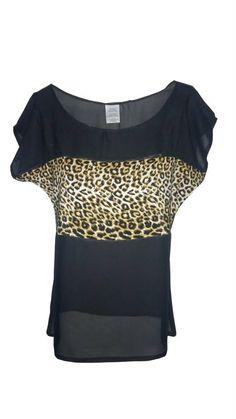 Blusa color negro con detalle animal print al centro