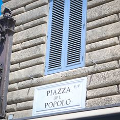 Piazza del Popolo sign