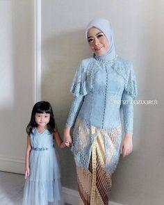 Kebaya Hijab, Kebaya Dress, Kebaya Muslim, Kebaya Brokat, Blouse Batik, Batik Dress, Kebaya Wedding, Batik Fashion, Women's Fashion