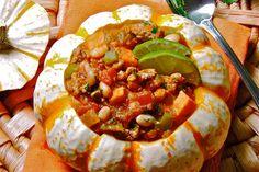 Turkey, Pumpkin & White Bean Chili by the Looneyspoons (Janet & Greta Podleski) White Bean Chili, White Beans, Healthy Food Options, Healthy Recipes, Healthy Foods, Clean Eating Recipes, Cooking Recipes, Cooking Ideas, Pumpkin Chilli
