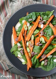 Salad of carrots and spinach. Salad of carrots and spinach (in Spanish) Healthy Salad Recipes, Clean Recipes, Big Salad, Dinner Salads, Food Inspiration, Carne, Green Beans, Spinach Salad, Carrots