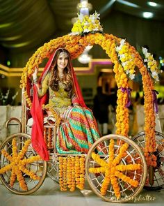Grand entrance of the beautiful mehndi bride #shutterphutter #pakistaniweddings #pakistanidress #indianwedding #pakistanibride…