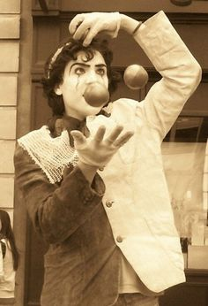 Mime Juggler of Covent Garden