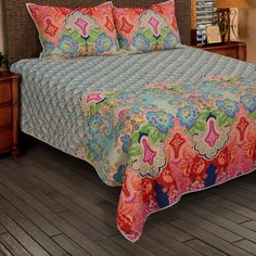 Wildon Home® Dammhnait Quilt Size: King Contemporary Bed Sets, Quilts Online, Bedroom Sets, Bedrooms, Master Bedroom, Kids Bedroom, Bedroom Decor, Ruffle Bedding, Quilt Sizes