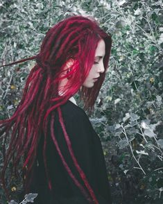 Dyed Dreads, Dreadlocks Girl, Synthetic Dreadlocks, Dreadlock Hairstyles, Braided Hairstyles, Goth Hairstyles, Red Hair Tips, Colored Dreads, Hippie Dreads