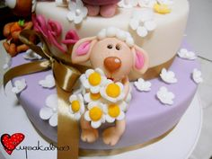 sweet sheep cake topper.ciupakabra cakes