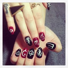 Occult gypsy almond nails by motiee motiee Kearney Goth Nail Art, Funky Nail Art, Love Nails, Pretty Nails, Crazy Nails, Gypsy Nails, Mani Pedi, Manicure, Almond Nails