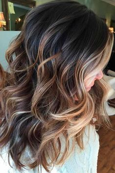 24 Chic Medium Length Layered Haircuts for a Trendy Look Get inspired with our c...