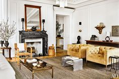Nate Berkus and Jeremiah Brent Share Their New York City Apartment and Daughter Poppy's Nursery Photos Nate Berkus, Greenwich Village, Architectural Digest, New Living Room, Living Room Decor, Living Spaces, French Apartment, Apartment Ideas, New York City Apartment