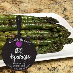 Asparagus is a versatile vegetable that's tasty in just about any form. Grilled Asparagus Recipes, Fresh Asparagus, Grilled Vegetables, Diet Dinner Recipes, Diet Recipes, Kidney Recipes, Health Recipes, Bbq, Summer Barbeque