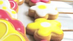 Piruletas de galletas decoradas
