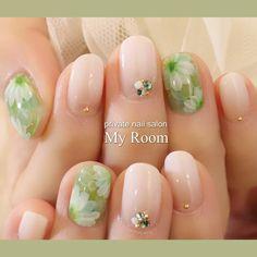 79 個讚,5 則留言 - Instagram 上的 吉田有香☆private nail salon MyRoom(@yukachiso):「 グリーンの水中花ネイルにホワイトグラデーションを合わせて涼しげに #nailart #nails #ネイルアート #ジェルネイル #ネイル #プライベートネイルサロンマイルーム… 」