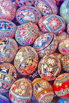 pysanka. Ukrainian Art Form. Pysanky Easter Eggs.